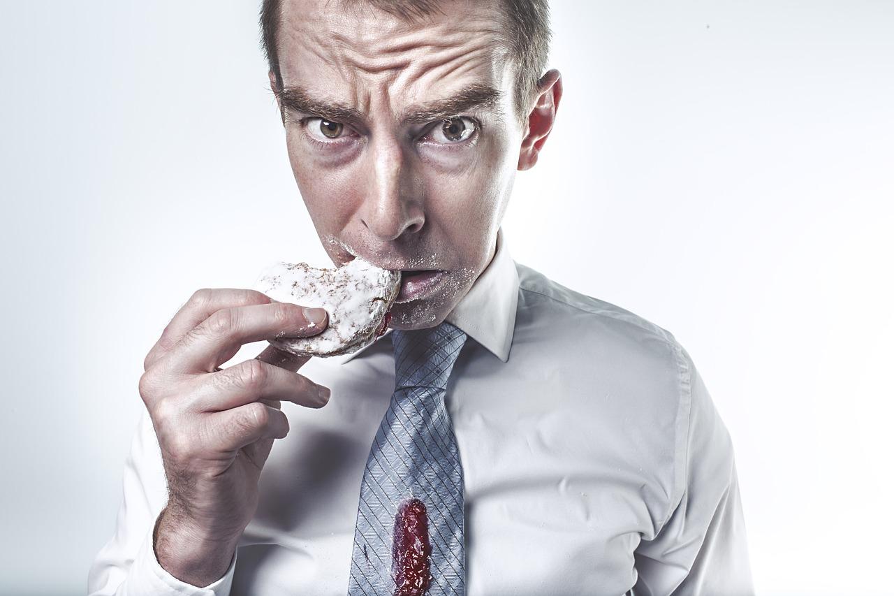 ¿A qué se debe la ansiedad por comer?